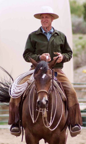 Buck Brannaman 7 Clinics: Buck horseback riding with feel
